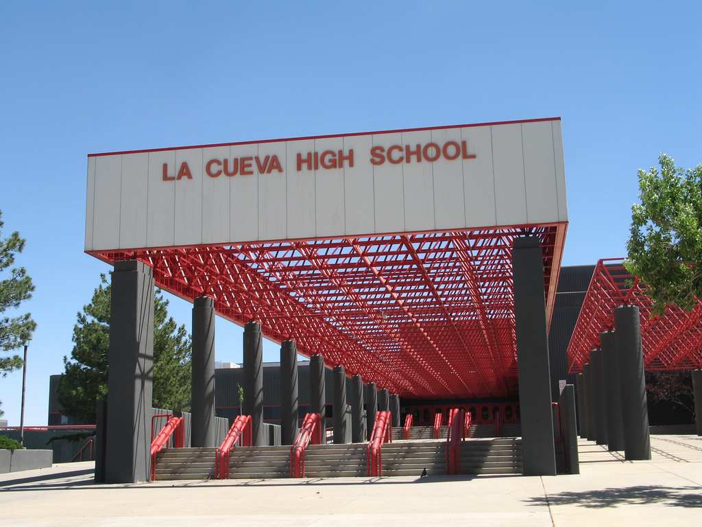 la cueva high school